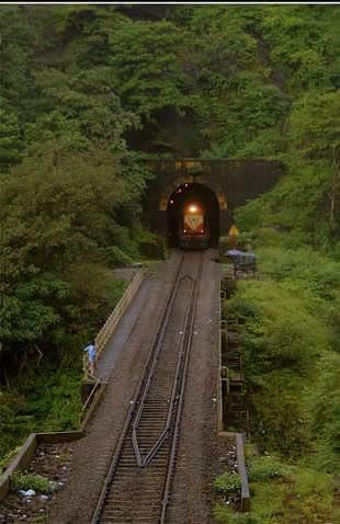 Konkan railway, Viva Goa