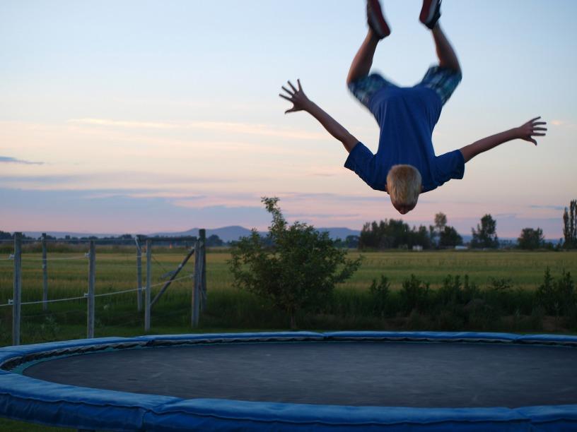 http://Trampoline- www.publicdomainpictures.net/